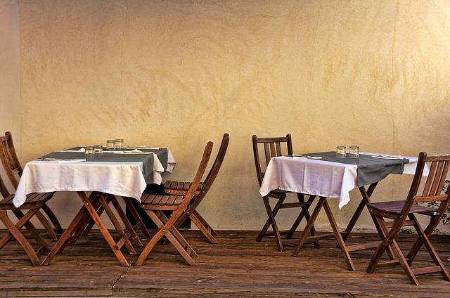 Noleggio di tavoli e sedie