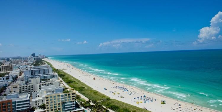 Spiaggia e mare cristallino negli Stati Uniti